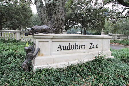 Entrance sign to Audubon Zoo in New Orleans, lA