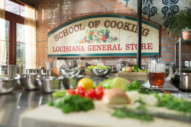 The sign for New Orleans School of Cooking